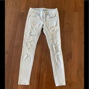 Light Wash American Eagle Low Rise Skinny Jeans